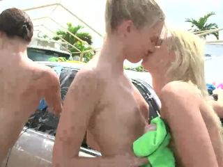 Young dykes scissoring after oral play