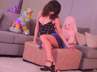 Kendra Sinclaire – Lower My Blouse (11 January 2020)