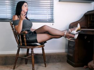 Young Goddess Kim - Pantyhose Office footstool!!!