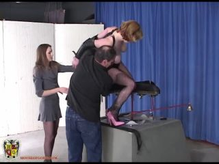Fucked on the Jolly go Round (FemdomPornNew)