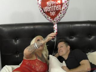 Porn online MeanWorld - MeanBitches - Lucky B - Facesitting and Ass Worship femdom