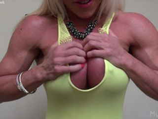 {ashlee Chambers - She Can't Stop Playing With Her Big Clit An