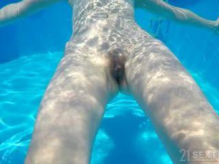 Miss Melissa - Summer Distraction [GrandpasFuckTeens, 21Sextury / SD / 400p] | miss melissa | blowjob 3d big tits blonde