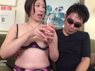 FC2-PPV-1535446 [First 3P! 2 consecutive vaginal cum shot! Appearance] Libido explosion G cup married woman ♪ Re-appeared in sexy lingerie ❤ Stab the white hair pussy in the back of the vagina with a raw cock and cum w Tokuno the juice cum shot! The appearance of seeking another stick is terrible