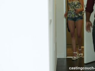 Quiet girl turns horny during her audition for a rap ic video!