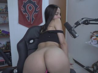Gamer goddess showing all her perfect body