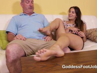 GoddessFootjobs Vegas Trip - Sofie Reyez!!!