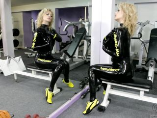 Latex Wet latex in the gym