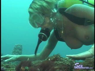 Sexunderwater.com- Scuba Dears - Sandy-- Sandy Knight