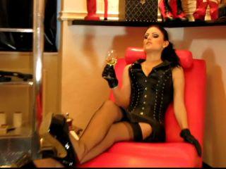 Mistress Blackdiamoond – Slave In Handcuffs licks heels on feet porn skyrim femdom