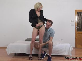 Kaylea Tocnell   Anally banged while her pussy is widely gaped