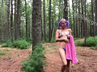 Unique amateur porn - Badlittlegrrl Fisting in the forest