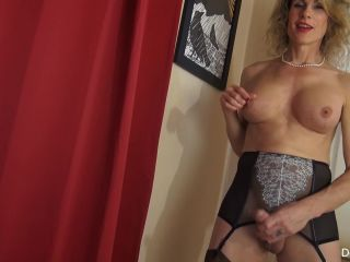 Mature transsexual Delia Delions in stocking fucks artificial pussy an ...