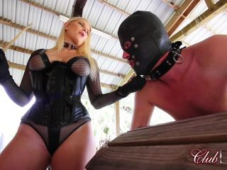 ClubDom - Vanessa Cage - Vanessa Cage Caning Pathetic Slave!!!