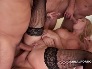 Isabella Clark - 5on1 Isabel Clark. DPDAPTAPTPANAL FISTING.The queen o ...