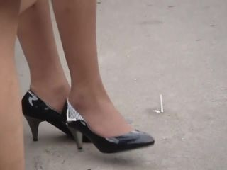 Asian candid pantyhose shoeplay