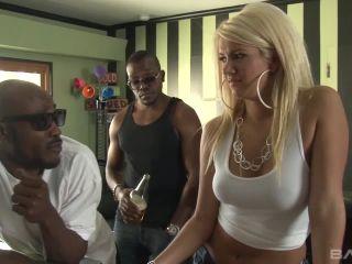 Layla Price Unleashed Scene 3