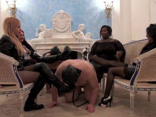 UK Black Mistress - Mistress Ezada, Madame Caramel, Sophia Larou, Mistress Ava von Medisin - Chatty Mistresses!!!
