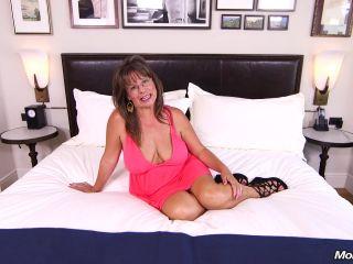 Carry Ann   Sexy cougar slut prime for porn
