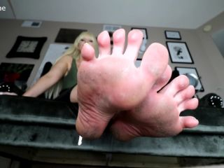 actress femdom feet porn | Toes fetish – Roxana Rae – Locked up Foot Loser | long toes