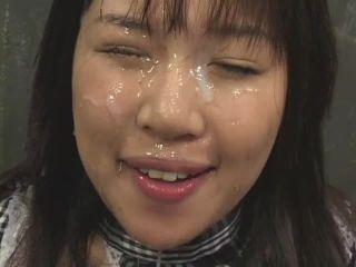 Extreme bukkake facial