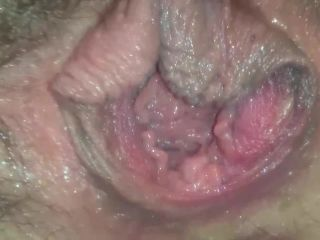 Hairy masked girl fists and finger-fuck her cunt