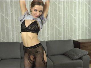 Online Video Monika Moskal – (Xes - Podrywaczki) – Do czego można wykorzystać dwóch facetów? double penetration