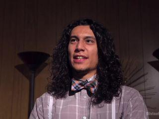 #GiveYourMoneyToWomen on latina girls porn feet fetish website