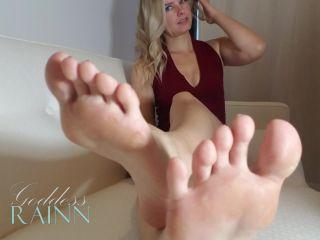 Video online Goddess Rainn - 2 Minute Feet JOI | fetish | pov