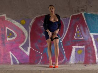 PJGirls - Brittany Bardot - Gaping Essentials | brittany bardot | toys