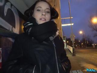 Czech car fuck after public blowjob