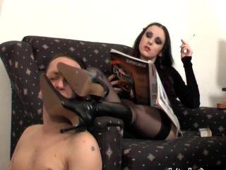 Foot dom sniff1 - fetish - fetish porn femdom group