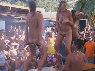 Teen girls get naked on a beach party