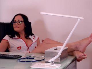 7800 Victoria Daniels And Dolly Diore Sexy Nurses Gone Wild -...