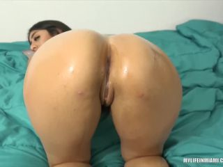Violet Myers - loves to get her big tits and ass oiled up - FullHD 108 ...