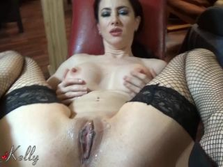 Wet Kelly - Pussy creampie on sexchair