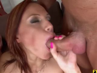 Threes with a real cum hungry slut