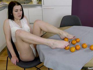 Ellie Sticky Feet