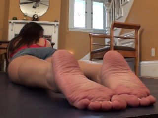 Porn online Shiny soles – Sweet Southern Feet – Mia Bare Soles on Mat