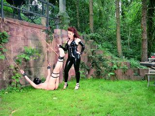 Extreme Dominat – Mistress Lady Renee – Backyard bastinado, dangerous girls femdom on femdom porn