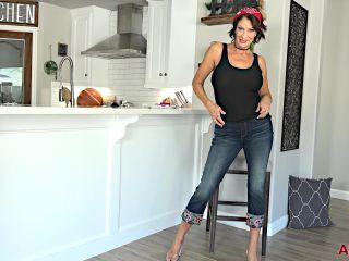 xxx clip 14 over  mature porn  horny big tits