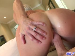 sexy blonde milf fucked by big cock!?