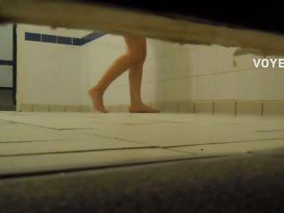 Busted voyeur makes her run away