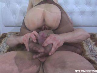 nylonfeetvideos_g846_clip