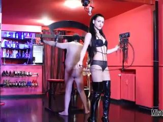 Porn online Sadistic Mistress – Mistress Iside – INFERNAL WHIPPING