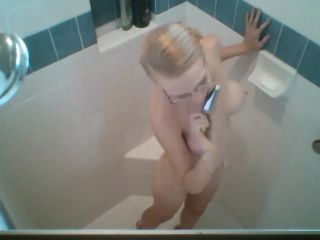 {rachel Greyhound - Throwback Shower Time With Greyhound (mp4,