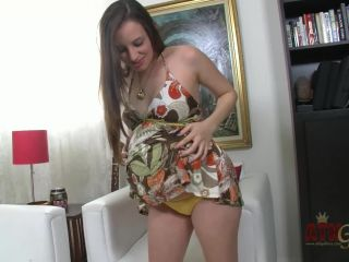 Pregnant Ashlynn Taylor - Pregnant Ashlynn Taylor plays with her pussy ...