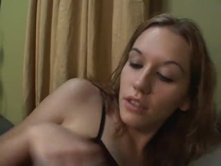 Mature and brunette scissoring their clits