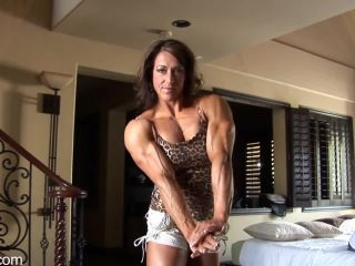 SARAH HAYES MUSCLE PUMP FOR YOUR VIEWING PLEASURE