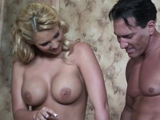 Big tits milf got the cum from big dick gardener when the band is away